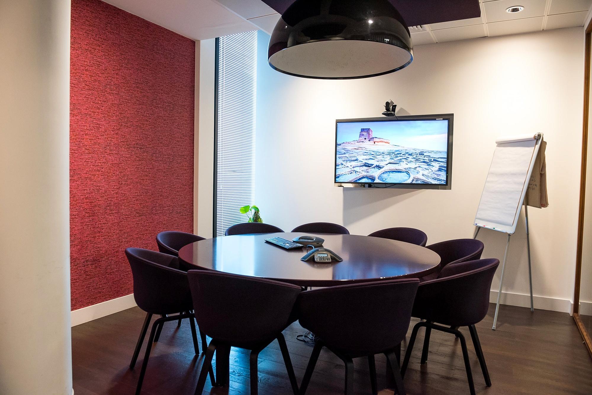 Installazione meeting room